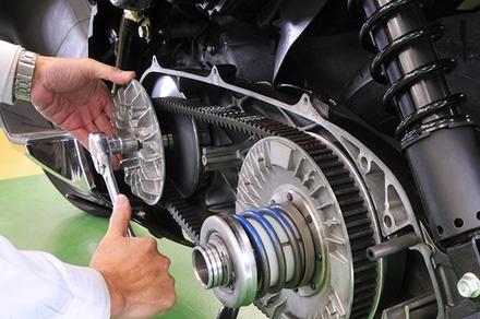 Dettagli della meccanica di una moto